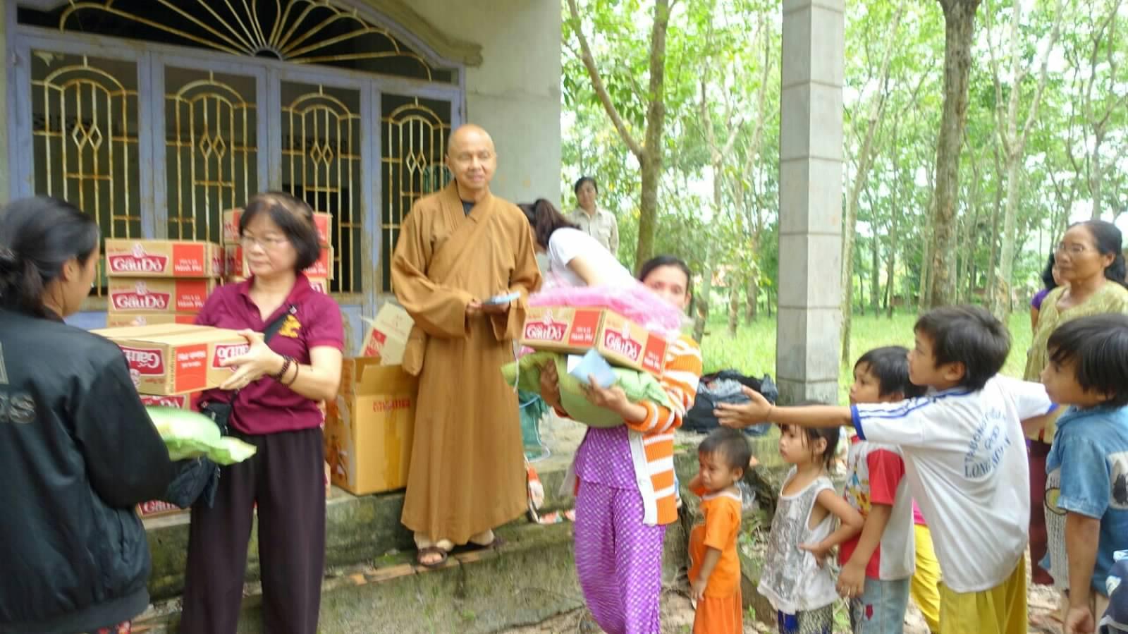 17 Viet kieu Campuchia (07)