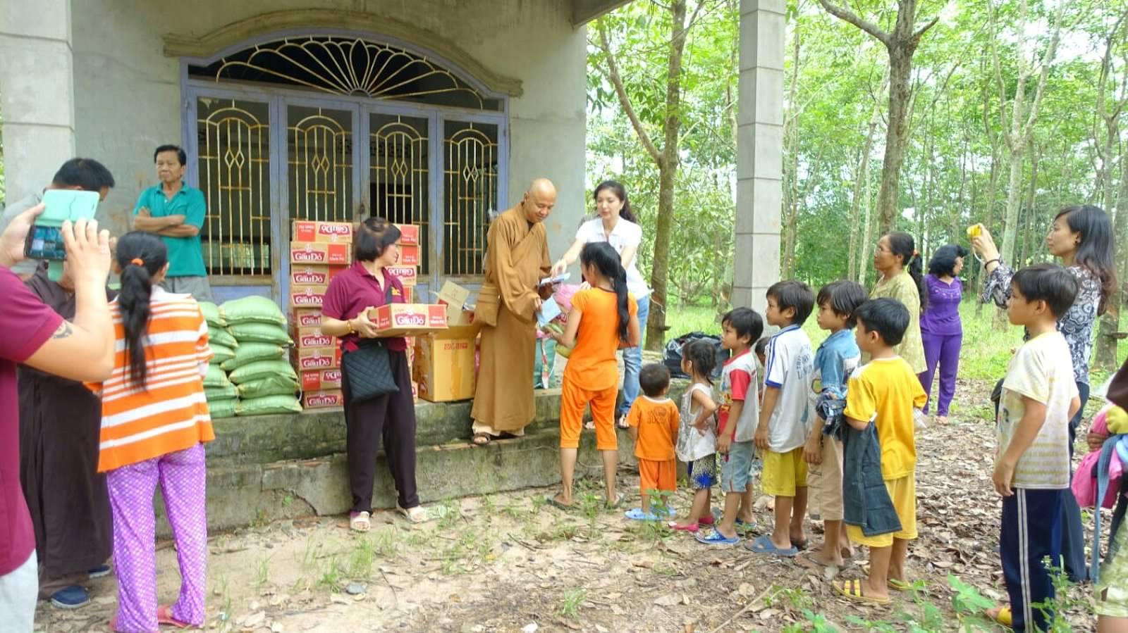 18 Viet kieu Campuchia (08)