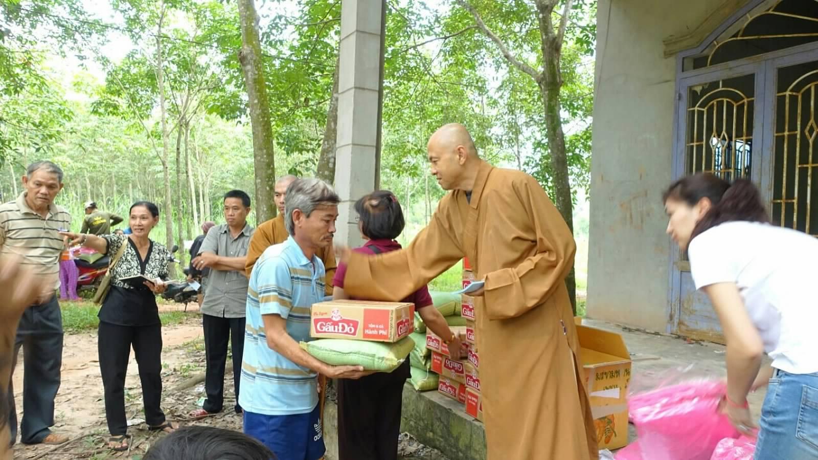 25 Viet kieu Campuchia (14)