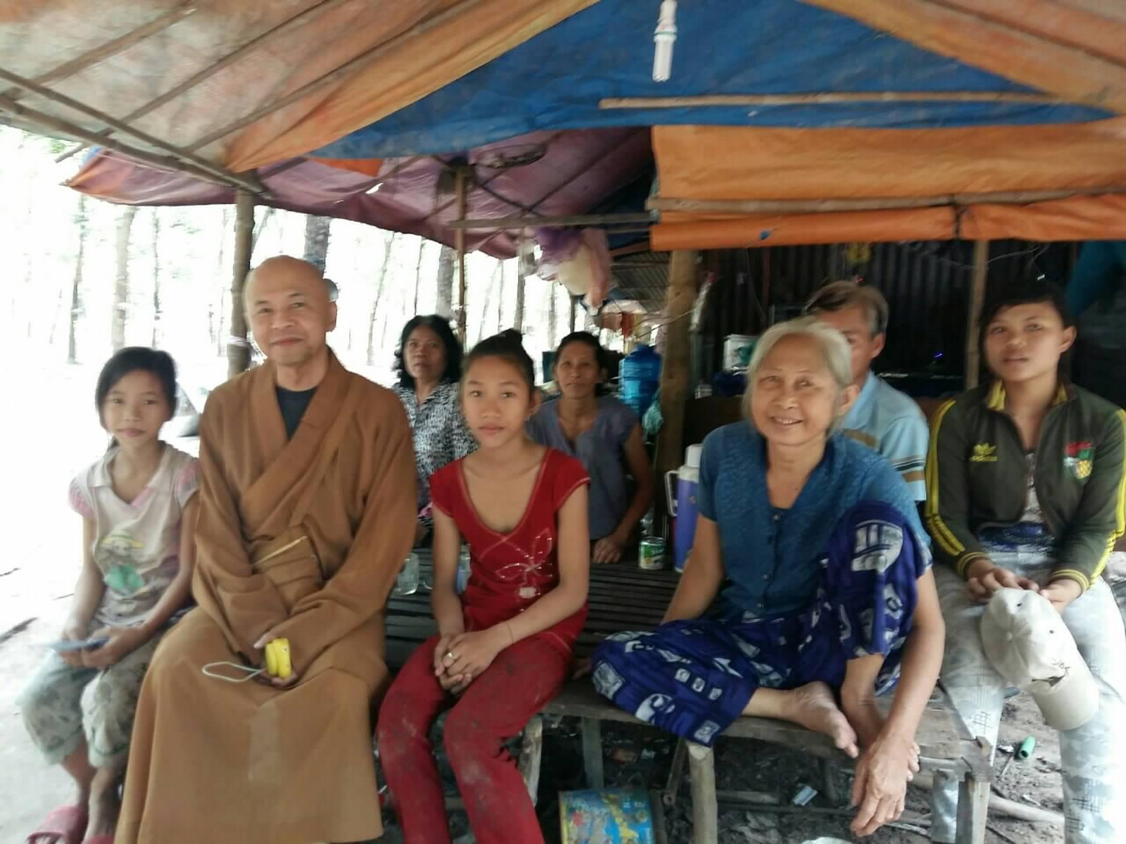 48 Viet kieu Campuchia (18)
