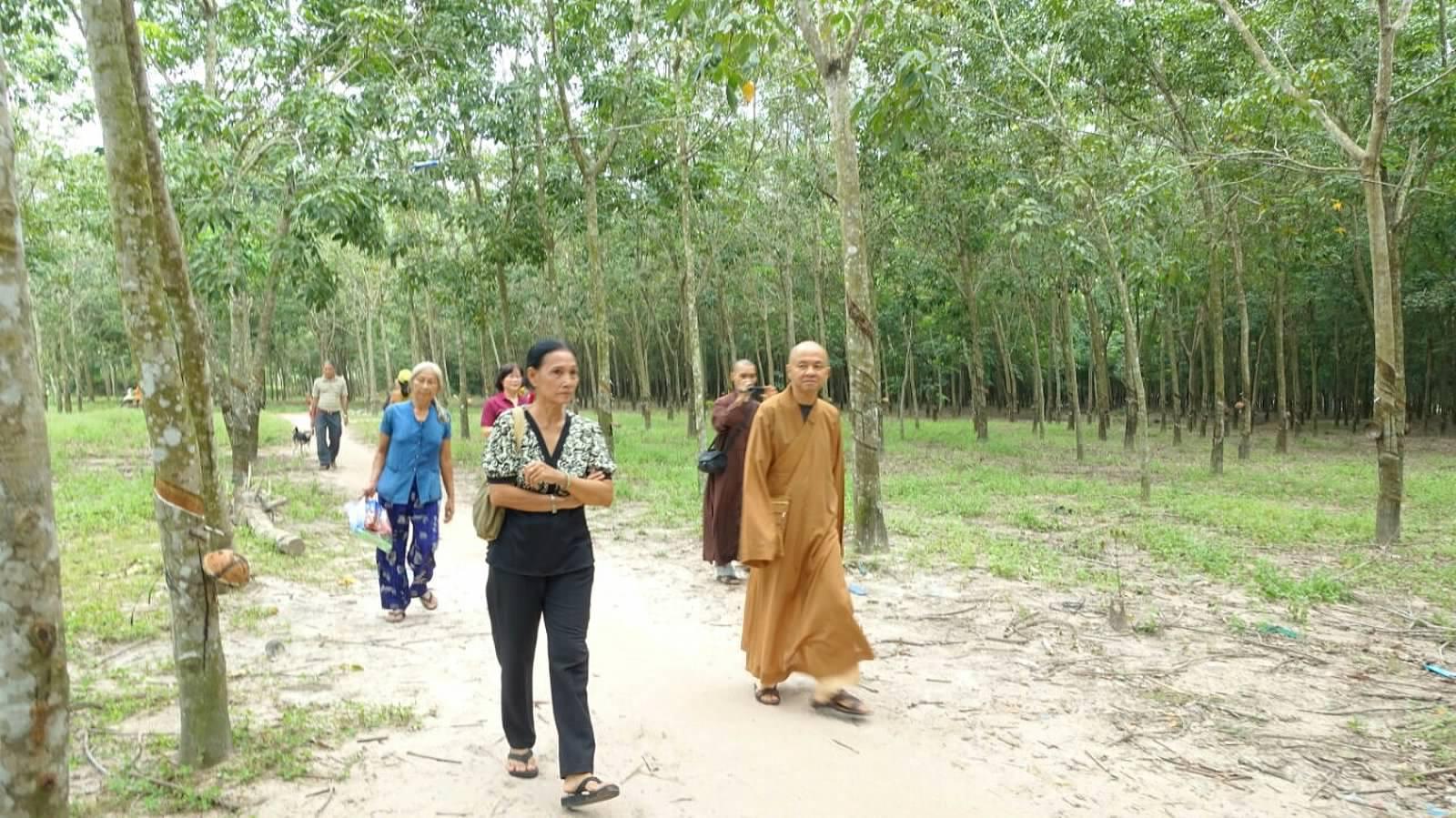 50 Viet kieu Campuchia (23)