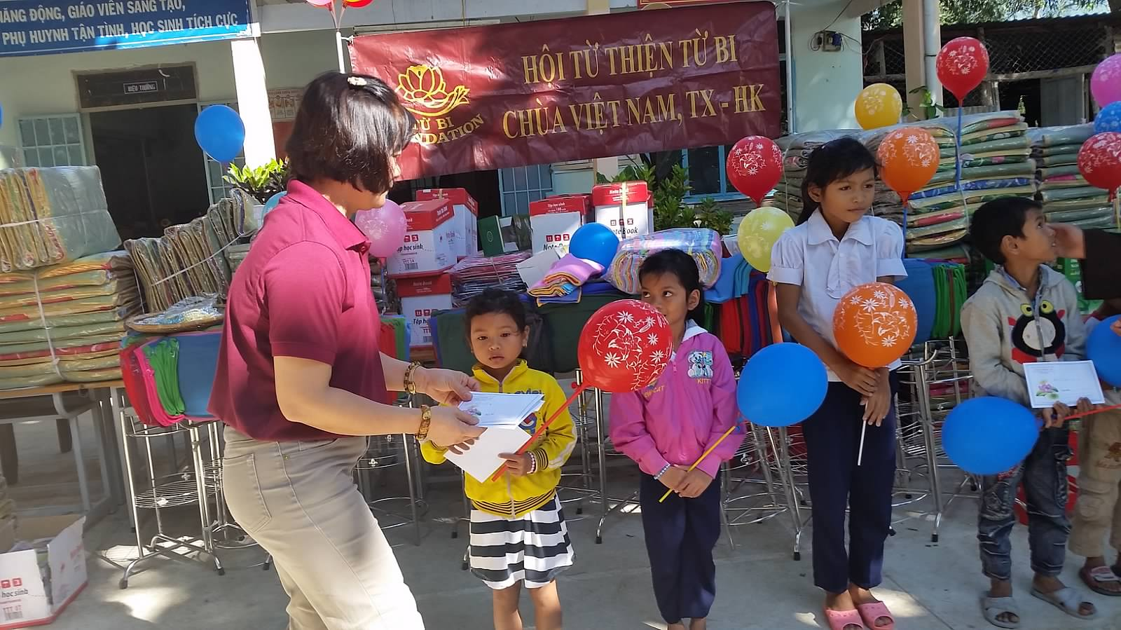 TQ Tieu Hoc Khanh Thuong 52