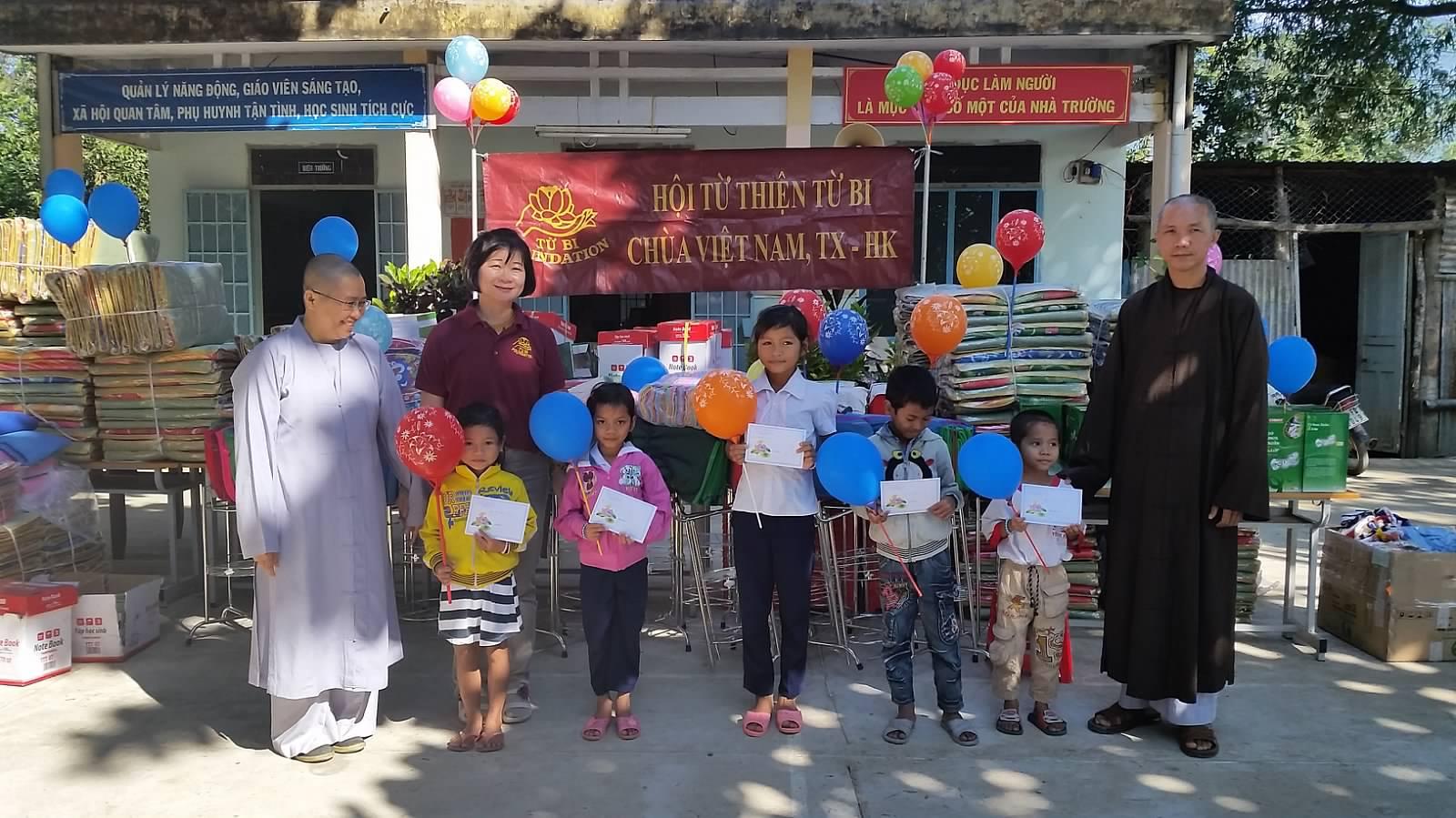TQ Tieu Hoc Khanh Thuong 53