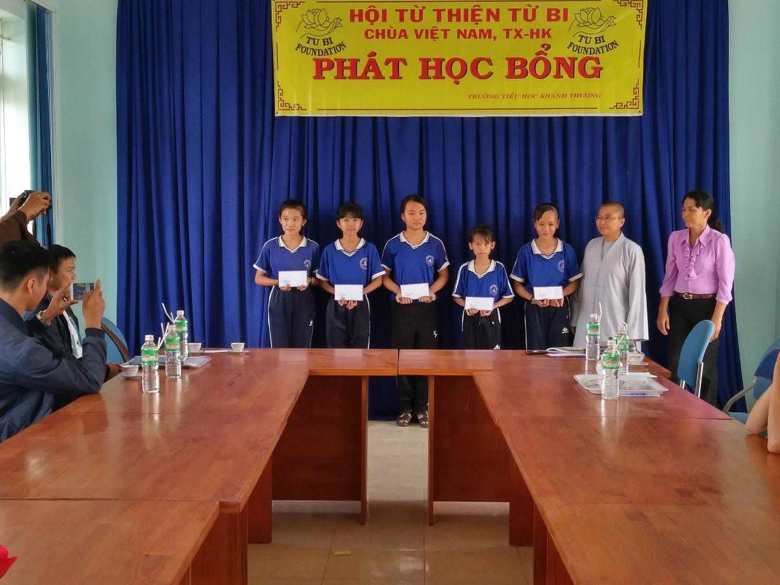 Phat Hoc Bong (04)