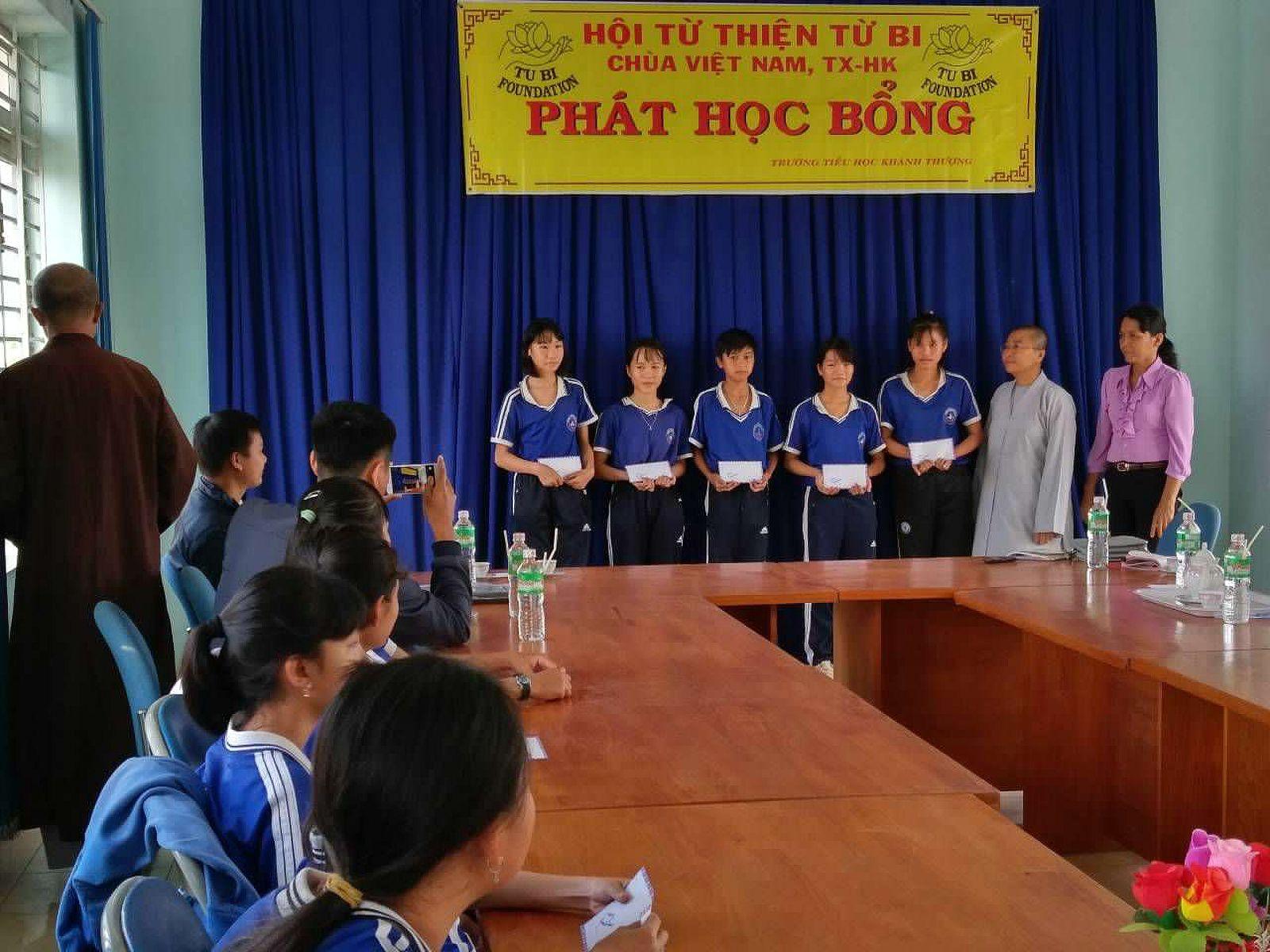 Phat Hoc Bong (05)