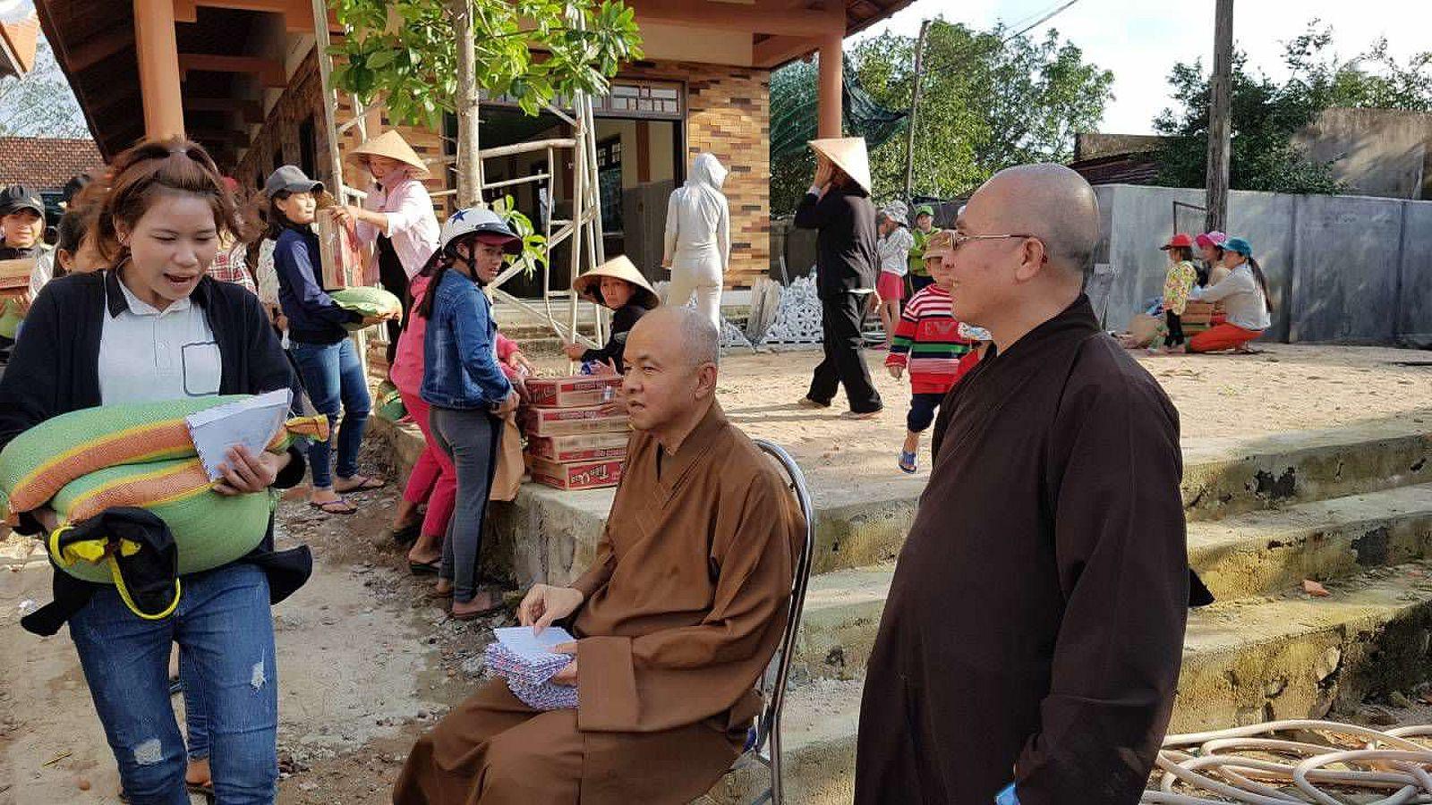 A3 Thang qua Phu Yen - Tuy Hoa (1)