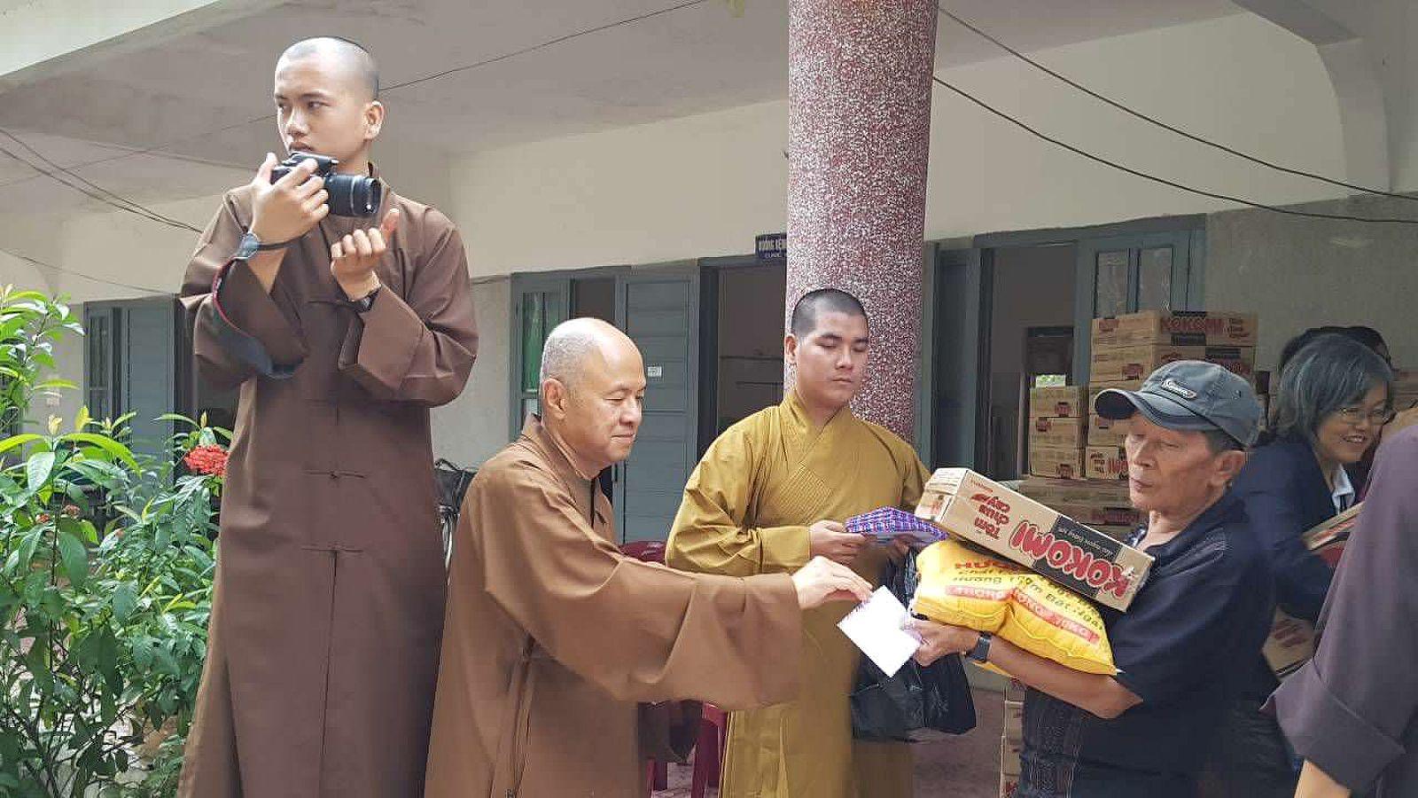 A3 Thang qua Phu Yen - Tuy Hoa (12)