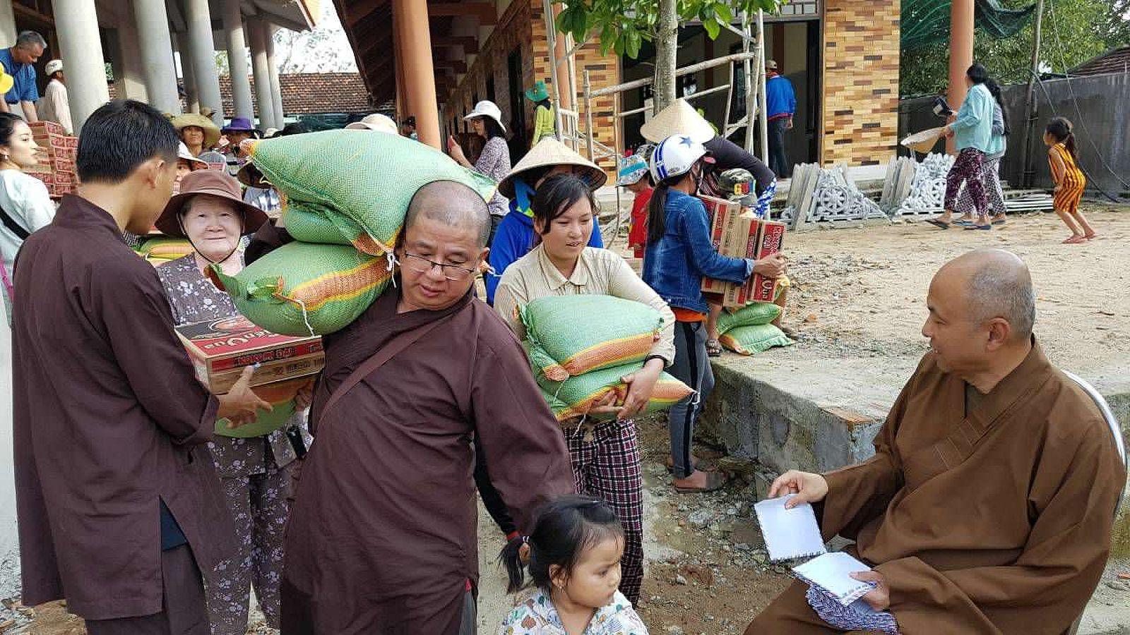 A3 Thang qua Phu Yen - Tuy Hoa (4)