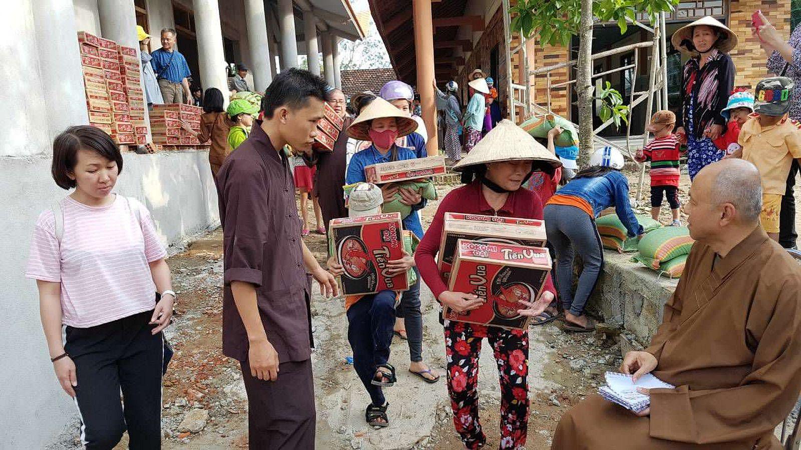 A3 Thang qua Phu Yen - Tuy Hoa (5)