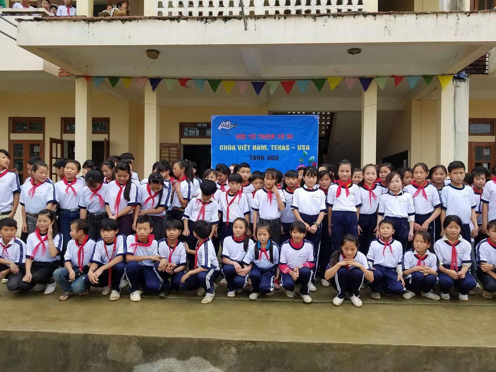 34 truong tieu hoc Huoi Tu sau khi sua (55)