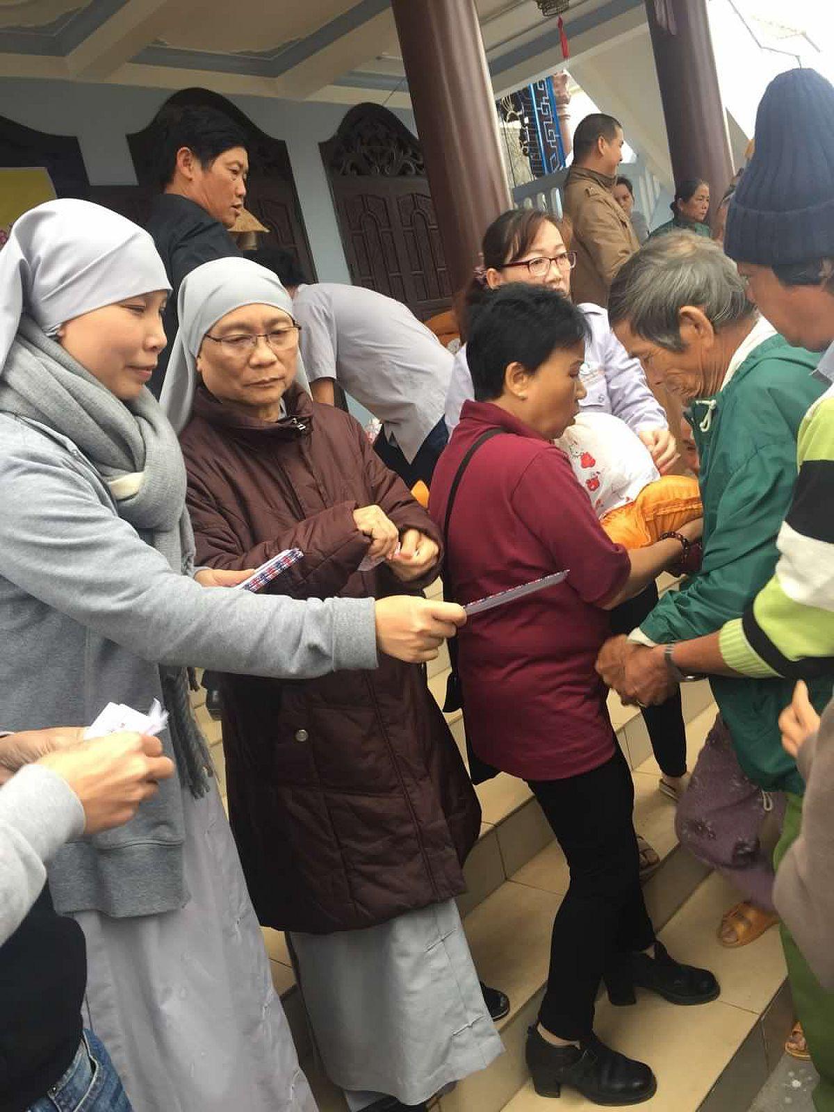 tang qua Quang Ngai (2)
