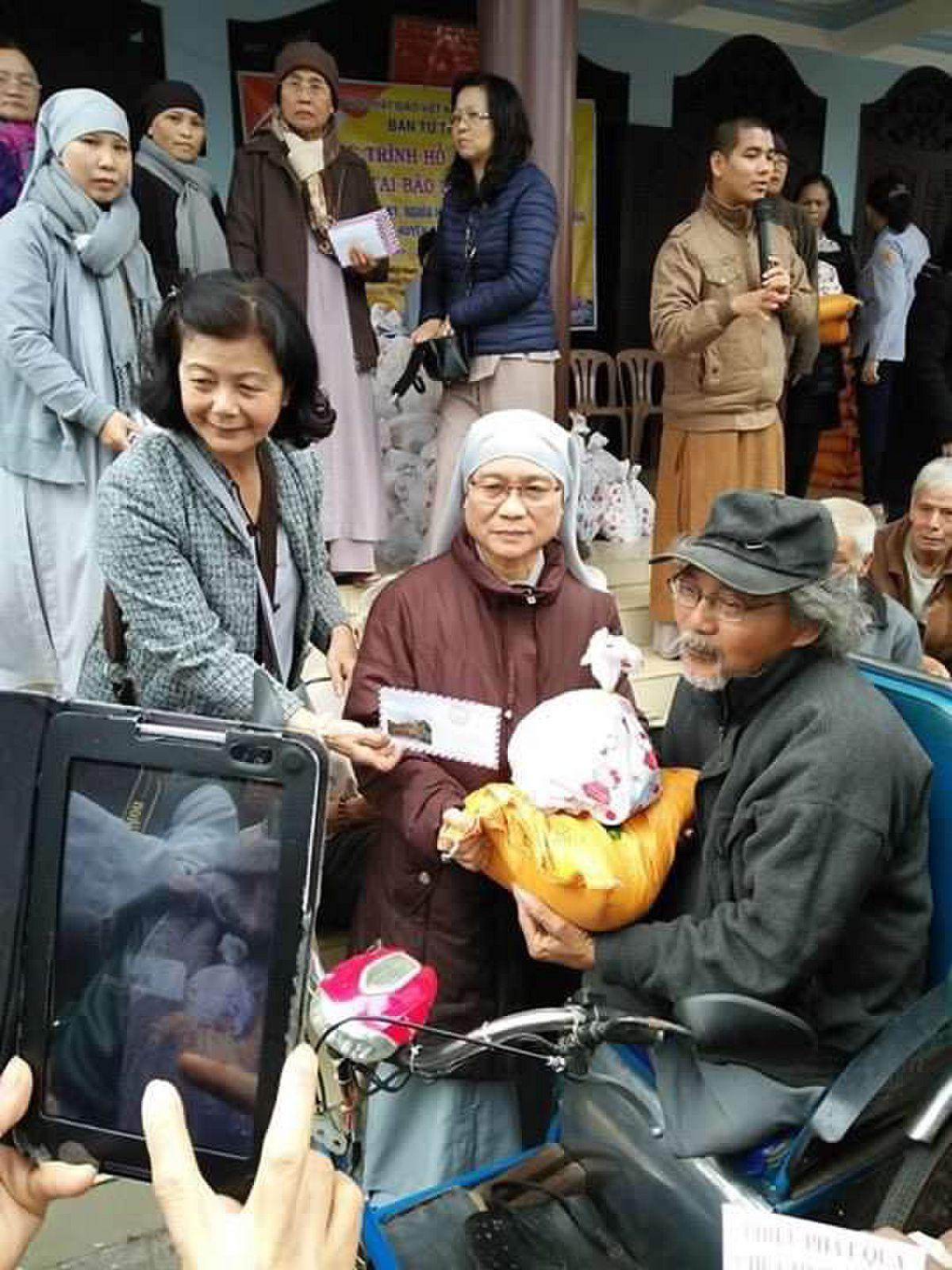 tang qua Quang ngai 2 (46)