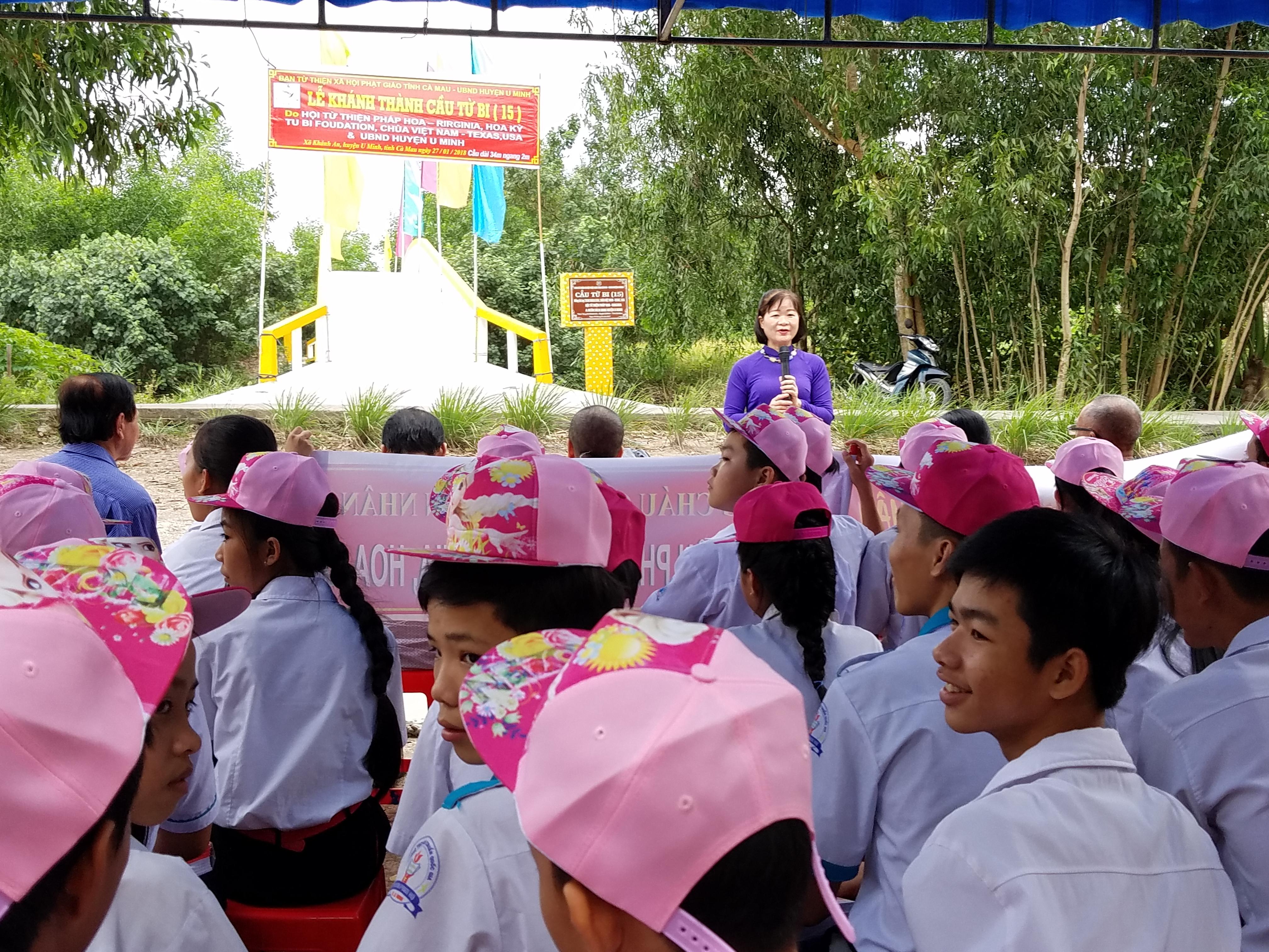 Cau Tu Bi 15 Phap Hoa (25)